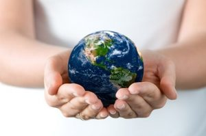 hands_holding_the_earth_picture_165318