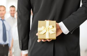 3 Steps to Easy Holiday Corporate Gift Giving